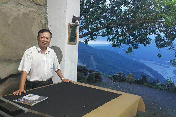 唐龍才認為廟宇藝術是傳統文化承先啟後的重要場域。(唐龍才 提供)