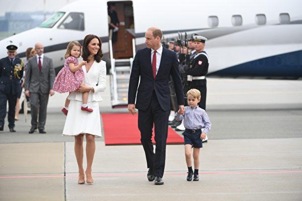 为何英国乔治王子总是穿短裤外出?