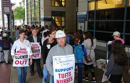 其他工会也来加入罢工行列。(黄剑宇/大纪元)