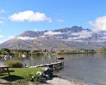 新西蘭昆士敦坐落在瓦卡蒂普湖畔,風光宜人,是新西蘭的「探險之都」。(DAVID BROOKS/AFP/Getty Images)