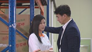 方馨(左)加入视最新八点档《幸福来了》,图为她与翁家明(右)对戏画面。(民视提供)