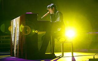 狮子合唱团北京限定开唱 特效绚丽 VCR串场