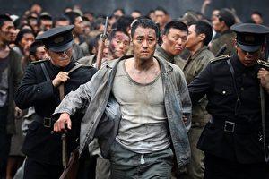 苏志燮在片中饰演打手,武术指导称赞他很厉害,动作戏看一眼就记住。(车库娱乐提供)
