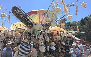 吉尔罗伊大蒜节展售大蒜相关产品。(李文净/大纪元)