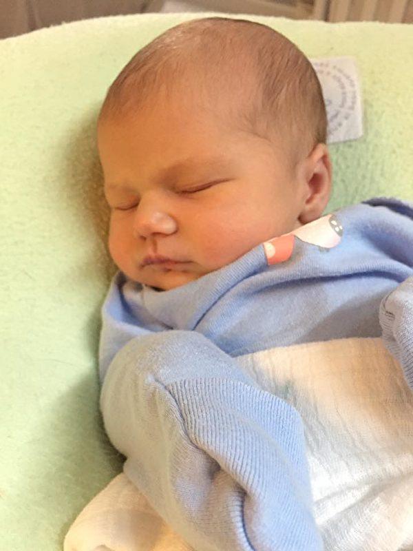 小女婴卡特诞生了,她是塞尔特家族137年来第一个女宝宝。(Will Settle/脸书)
