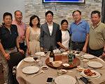 张大使夫妇与台商侨领合影(驻法国台北代表处提供)