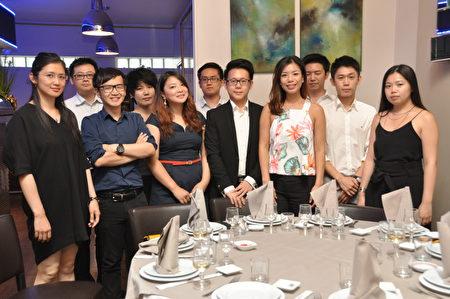 法国台湾青商会会员合影(驻法国台北代表处提供)