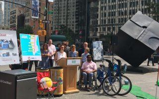"""昨天(7月11日),纽约市交通局长特洛顿伯格(Polly Trottenburg)召开新闻发布会,介绍今年的""""夏日步行街""""。 (于佩/大纪元)"""