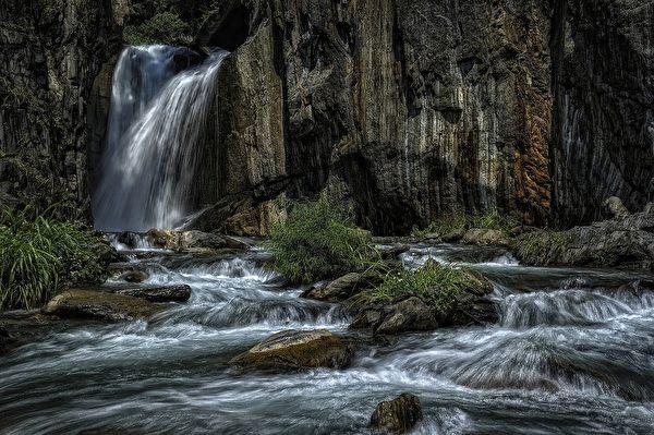 夢谷瀑布(Pixabay圖片)