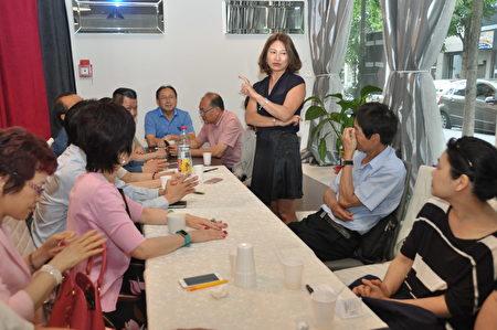 新任会长萧梅杏发表当选感言(驻法国台北代表处提供)
