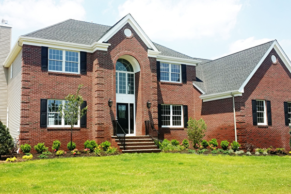乡村经典豪华别墅小区  多种户型可选,提供快捷入住。(Country Classics 提供)