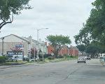 圖:與中國城緊鄰的Club Creek路全程不到半英里,卻有二十一個經濟公寓區遍布在道路兩側。(易永琦/大紀元)