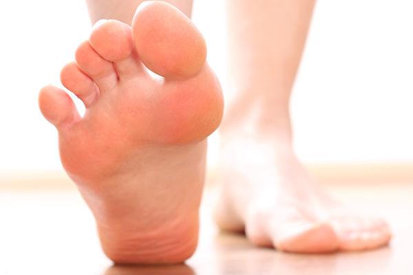 """双脚在夏天比较常""""露脸"""",需要更多的呵护。(Fotolia)"""