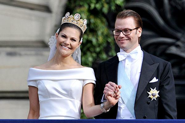 2010年6月19日,維多利亞公主與丹尼爾親王大婚。(Pascal Le Segretain/Getty Images)