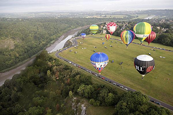 每年4月到10月,期間德國很多地方都會舉辦熱氣球節。(Matt Cardy/Getty Images)