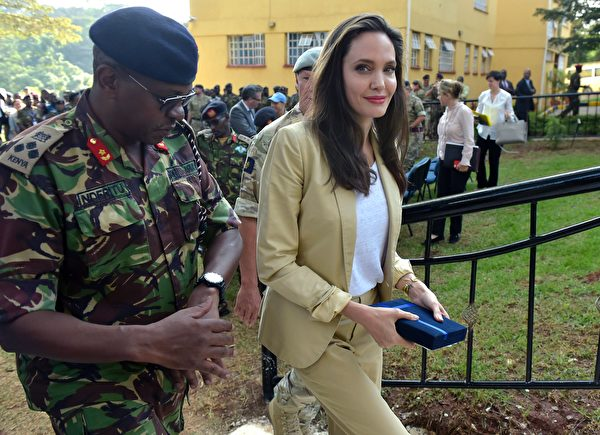 US actress and UNHCR Special Envoy Angelina Jolie (R) arrives to address the International Peace Support Training Centre (IPSTC) staff on June 20, 2017 in Nairobi during a training on the prevention of sexual violence during conflicts. / AFP PHOTO / SIMON MAINA (Photo credit should read SIMON MAINA/AFP/Getty Images)