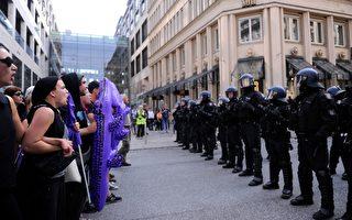 德國聯盟黨和社民黨要求建立歐洲極端分子資料信息。圖為漢堡G20峰會期間警察與抗議者對峙。(STEFFI LOOS/Getty Images)