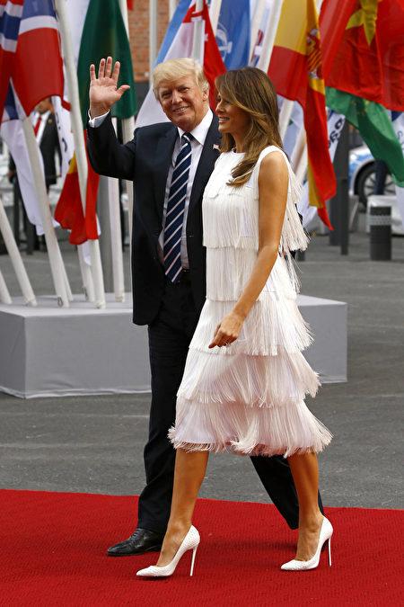 7月7日,川普與梅拉尼婭夫婦出席為G20領袖及夫人在漢堡舉行的晚宴和交響音樂會。(Morris MacMatzen/Getty Images)