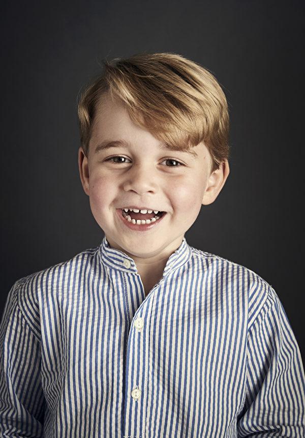 乔治王子4周岁,威廉王子夫妇发出官方照片,庆祝儿子生日。(Chris Jackson/Getty Images)