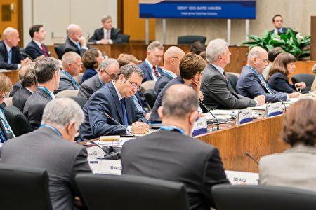 目前,全球共有72个国家加入到打击伊斯兰国行动全球联盟中。(石青云/大纪元)