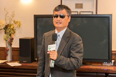 """人权律师陈光诚希望明年的""""709人权律师节""""将在北京举行。(石青云/大纪元)"""