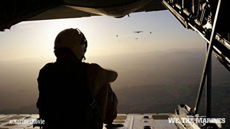 """""""我们是海军陆战队""""剧照:飞行训练。(海军陆战队博物馆提供)"""