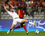 24岁比利时前锋卢卡库(9号)以9000万英镑高价,自埃弗顿转会曼联。 (Dean Mouhtaropoulos/Getty Images)