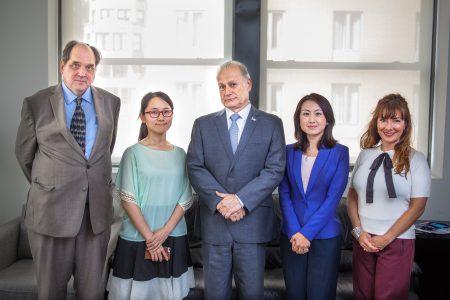 昨天(7月6日),共和黨籍市長參選人德拉富恩特(中)訪問大紀元媒體集團總部,詳述了他的競選理念。
