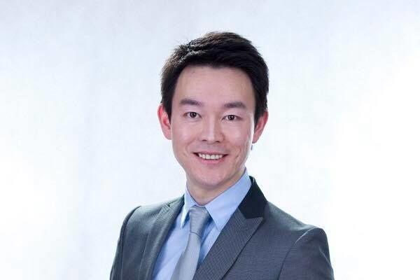 著名影视演员﹑新唐人节目主持人姜光宇。摄于2012年(姜光宇提供)