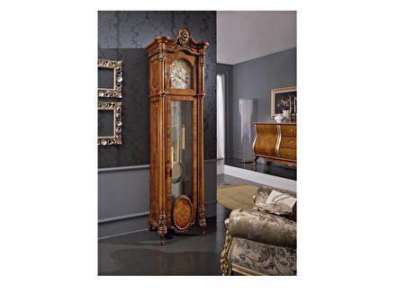 拥有老爷钟是一种情怀,也是一种不同的生活方式。图为意大利GALLO Ga-335。(得宝钟表提供)