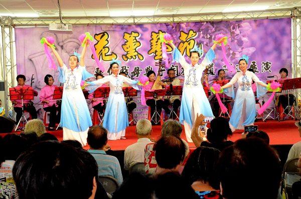 悅舞舞團的精彩演出博得滿堂彩。(宋順澈/大紀元)