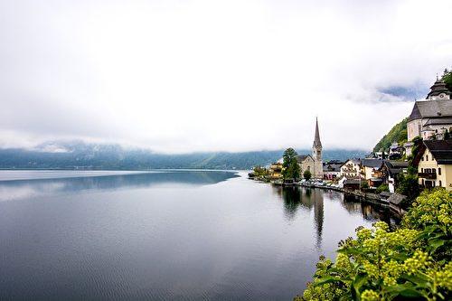 哈爾施塔特湖邊風光。(Yuki Mao/CC/Pixabay)