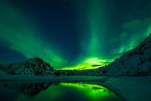 前往北歐冰島探測極光是永生難忘的奇幻美景。(David Mark/CC/Pixabay)
