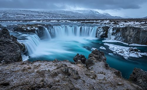 位於冰島中北部的眾神瀑布(Godafoss),是世間少有的馬蹄形瀑布。(nathan618/CC/Pixabay)