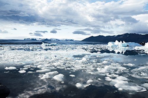 Jokulsarlon是全冰島最著名和最大的冰川湖,位於冰島東南部。(JayMantri/CC/Pixabay)