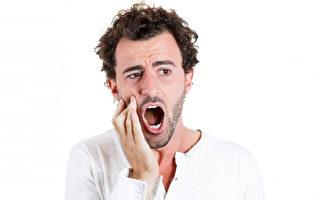 整顆牙齒完全脫落,恰當處理有可能回原來的位置。(Fotolia)
