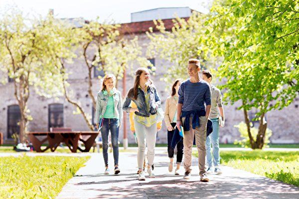 王百庆博士认为,所以快乐教育并非放任与放松,而是要引导孩子了解学习的乐趣。(Shutterstock)