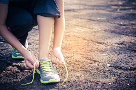 健走是消除脂肪肝最簡單好用的方法。(Shutterstock)