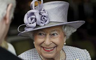 依據傳統規範,晉見英國女王時,有些事情不能做,例如:不能碰觸她。(PETER NICHOLLS / POOL / AFP)