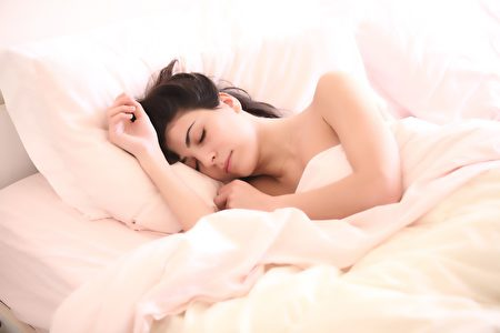 空腹時不要睡覺。(Pixabay)