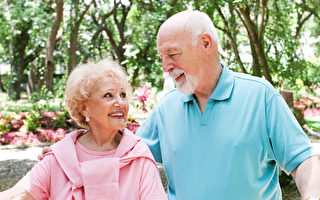 美国杨百翰大学的研究显示,孤独比肥胖更致命,会增加一半早死的风险。人们应该及早准备退休生活,避免蒙受孤独之苦。(Fotolia)