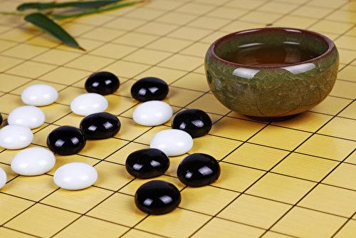 """人生不设""""悔棋"""",所以每走一步都要考虑仔细,并且要坦然地面对得失。(fotolia)"""