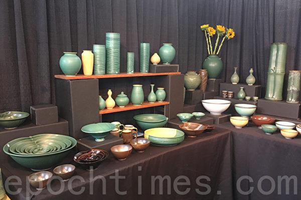 陶艺设计师Mikio Matsumoto在旧金山美国手工艺展上展出的作品。(景雅兰/大纪元)