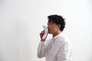 陈奕迅即将在10月推出的全新国语大碟,新歌陆续推出,这次《海胆》MV采取简约风格。(环球唱片提供)