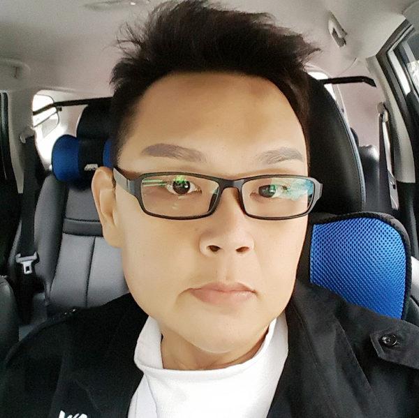 胖哥吕宗宪(图)决心减肥,数年来体重从280公斤减到115公斤,变成斯文帅哥,还交了小14岁的女友。(台南市立安南医院提供/中央社)