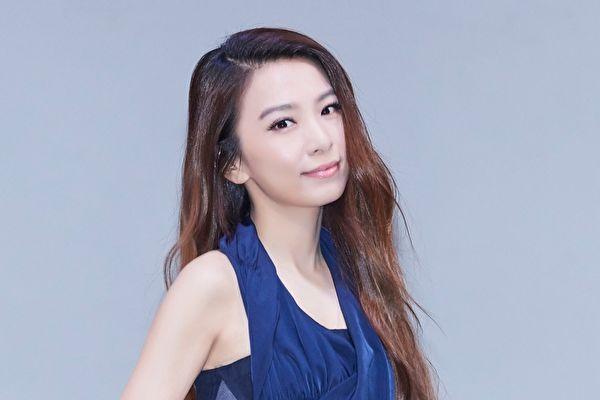 田馥甄荣登第1位以专辑概念为本发想的舞台剧作品而踏入国家戏剧院的歌手 。(华研提供)
