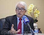 加州州長候選人約翰‧考克斯(John Cox)接受大紀元、新唐人聯合採訪。(周鳳臨/大紀元)