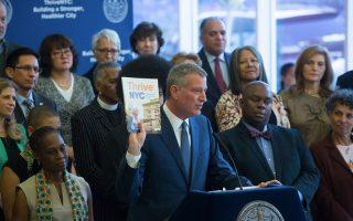 曼哈顿区长高步迩最近公布的一份报告显示,曼哈顿有100多所公校除了Thrive NYC提供的服务以外,没有其他的精神健康方面的服务。 (市长办公室)