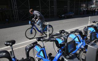 纽约市政府既不希望外埠单车共享公司到纽约来,也不希望纽约本地的Citi BIke到外地开拓市场。 (John Moore/Getty Images)