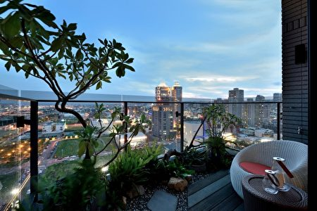 """新业""""观峰""""基地超过千坪,从阳台就能看出其追求生活品质的理想。(业者提供)"""